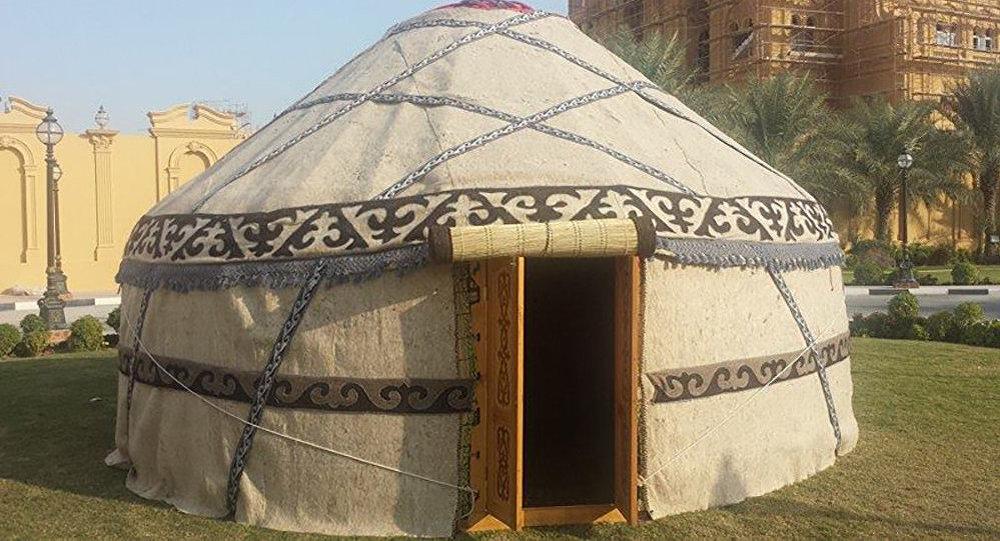 Катарский шейх поставил кыргызскую юрту в Дохе