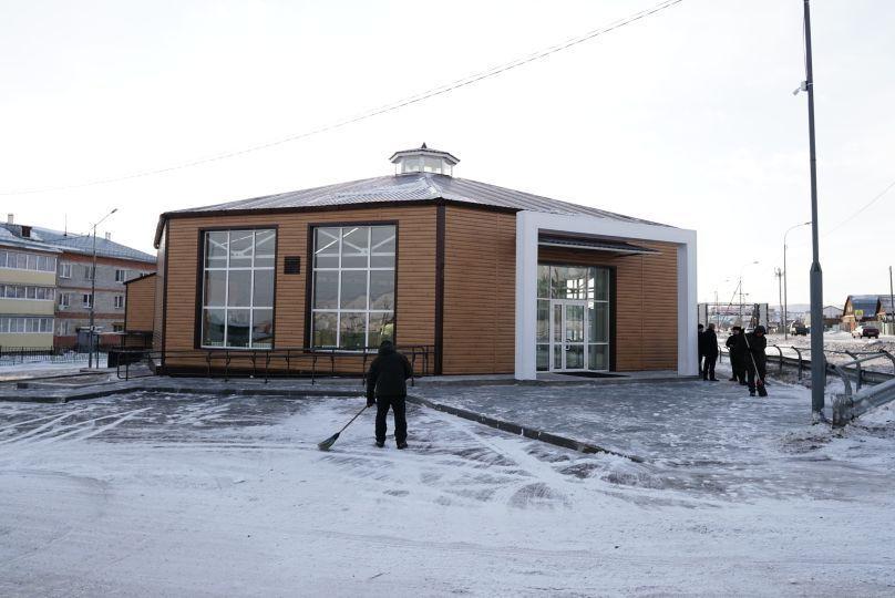 Министр спорта РФ посетил зал-юрту в пригороде Улан-Удэ