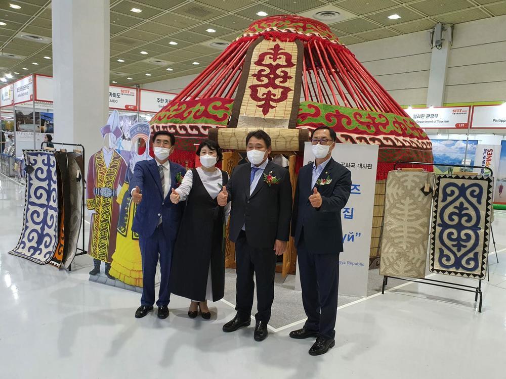 В Сеуле установили кыргызскую юрту